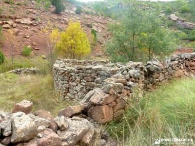 Valle de los Milagros-Cueva de la Hoz; material trekking montañismo madrid senderismo guadarrama gr